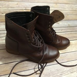 Ariat Lace Up Roper, Paddock, Barn Boot Style